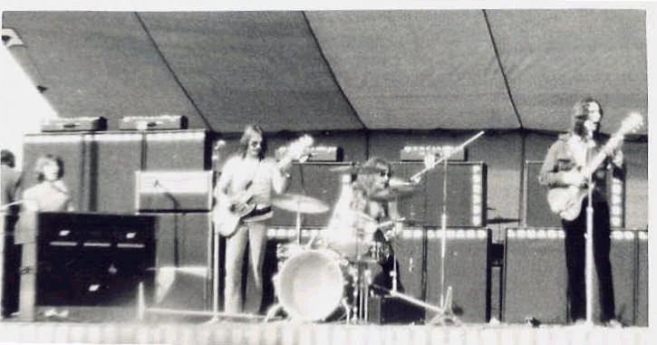 Resultado de imagen de piranha australian band
